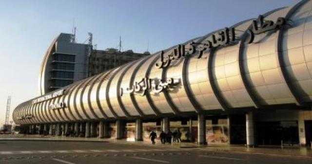 مطار القاهرة يستقبل 160 مصريا من العالقين في الإمارات