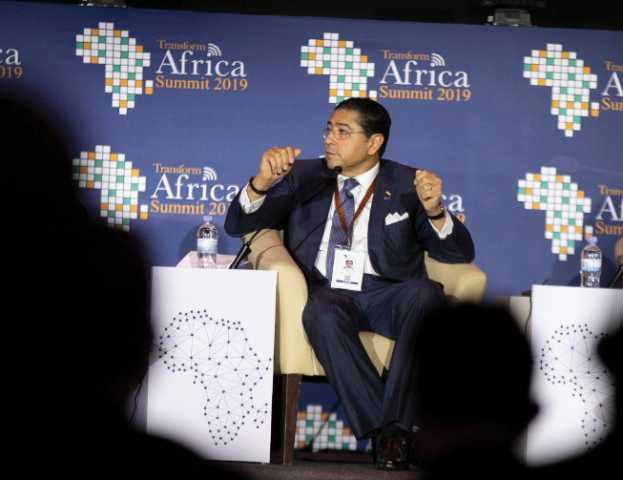 ماذا قال هشام عز العرب في أول تعليق بعد استقالته من التجاري الدولي؟