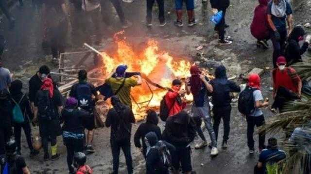 إحراق ونهب واحتجاجات.. تشيلي على خط نار المتظاهرين