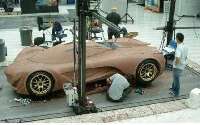 اليابان تكشف النقاب عن سيارة خارقة من الخشب