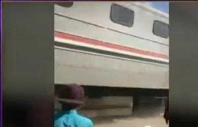 أصيب بكسر بالجمجمة.. راكب يقفز من قطار بسبب الغرامة المالية