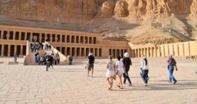 خبير: المناخ المعتدل سبب انتعاش السياحة المصرية مجددًا