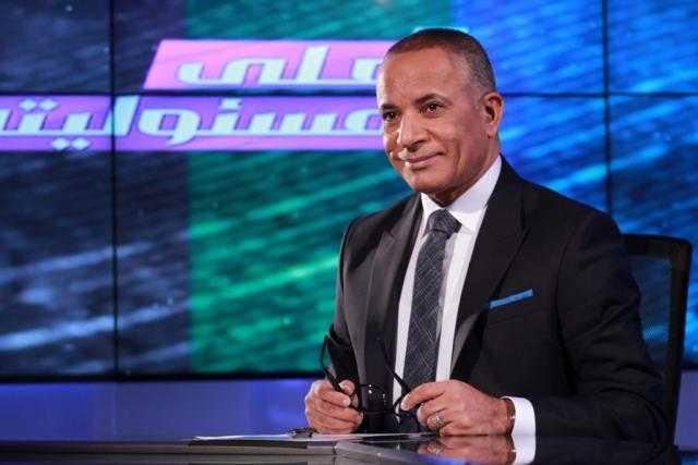 """أحمد موسى يسخر من """"عبدلله العزبة"""": هذا ثمن تقبيل الأحذية"""