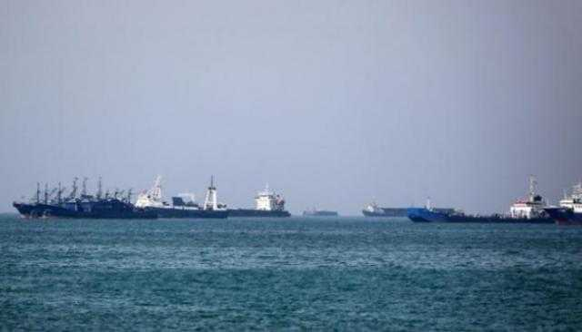 الحوثيون يطلقون سراح السفن المحتجزة بعد تهديد كوريا الجنوبية