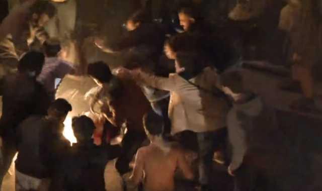 لبناني يحرق نفسه وسط المتظاهرين في ساحة رياض الصلح