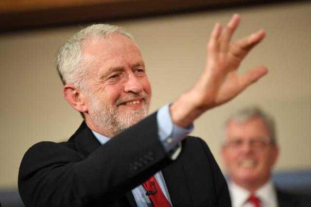 زعيم المعارضة البريطاني ينفي تلقيه مساعدات روسية لنشر وثائق سرية