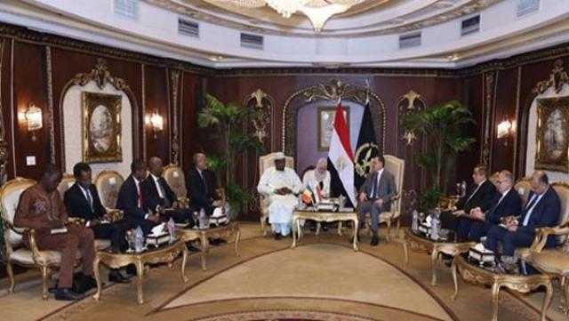 وزير الداخلية يستقبل وزير الدفاع والأمن بجمهورية تشاد