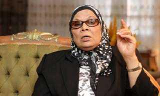 بالفيديو.. آمنة نصير: يجوز للمرأة قراءة القرآن دون حجاب
