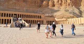 البطوطي : مصر تشهد حجوزات هائلة للسائحين في 2020 (فيديو)