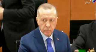 """أحمد موسى : أردوغان كان ينظر للسيسي بـ""""غل"""" في قمة برلين (فيديو)"""