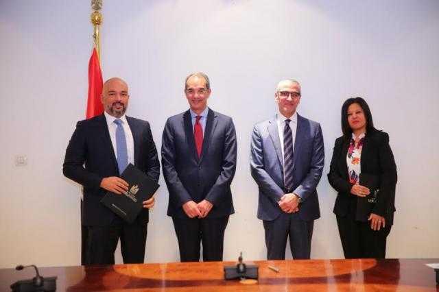 وزير الاتصالات يشهد توقيع بروتوكول تعاون لتنمية ورعاية المجتمع