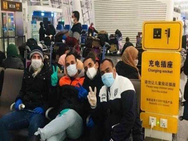 """""""الصحة"""" تجمع مخلفات العائدين من الصين لنقلها إلى المحارق الطبية"""