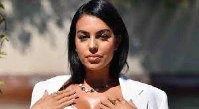 """بمليون يورو.. صديقة رونالدو تتباهى بمجوهراتها على """"إنستجرام"""" (صور)"""