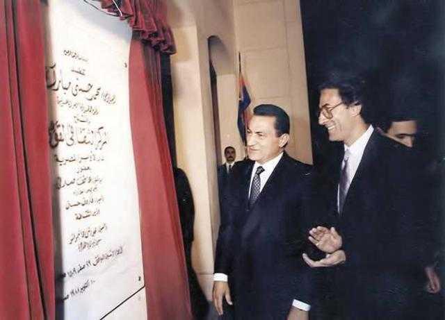 لم يسمع صوته.. تفاصيل مكالمة فاروق حسني الأخيرة مع مبارك