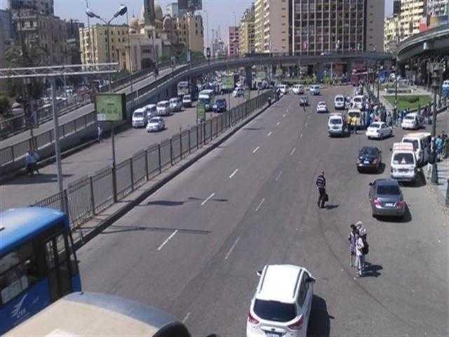 النشرة المرورية .. انتظام في حركة السيارات بمحاور القاهرة والجيزة