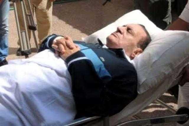 شاهد .. جثمان مبارك يصل مسجد المشير طنطاوي