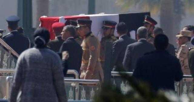 مدرس ينتهي من مشاهدة جنازة مبارك وينتحر