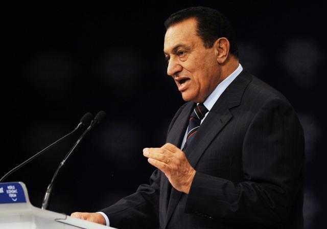 مفارقة وألم.. هكذا وصفت واشنطن بوست وفاة مبارك