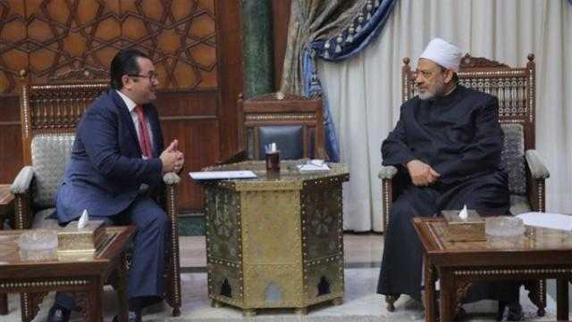 شيخ الأزهر يستقبل سفير كازاخستان في القاهرة