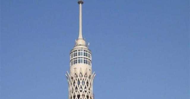 أزمة عاطفية.. إحباط محاولة انتحار شخص من أعلى برج القاهرة