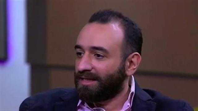 بعد إعلان ما وراء الطبيعة.. سر بكاء عمرو سلامة بعد وفاة أحمد خالد توفيق