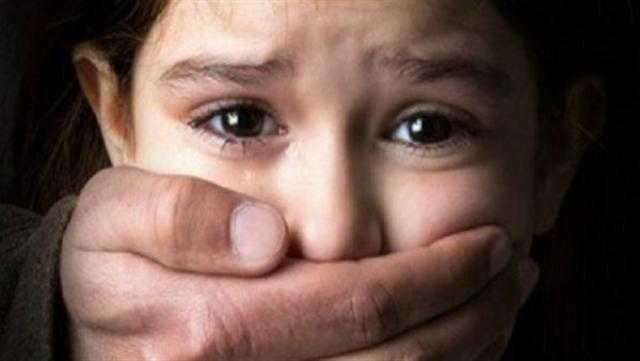 استدرجها بـ لحمة الأضحية.. ساعات رعب صادمة لـ طفلة في مقابر الحوامدية