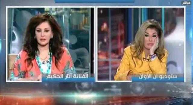 فنانة مشهورة تصرح: هالة سرحان تحرشت بي لمدة 3 أيام.. وطلقت غيابياً وحرمت من أولادها