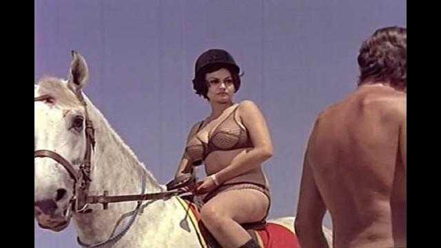 ظهرت عارية تماما.. ماذا تعرف عن الممثلة الأجرأ في السينما المصرية؟