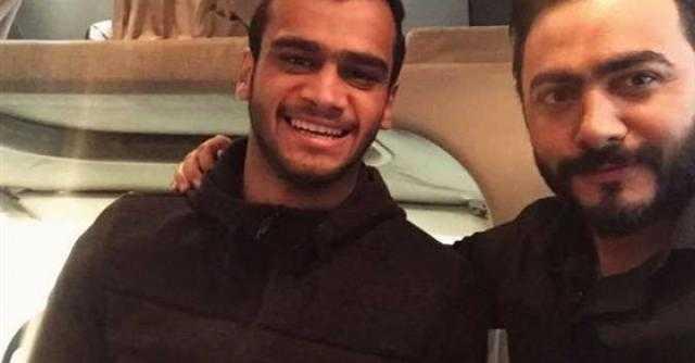 قلبك طاهر جميل.. شاهد كلمات تامر حسني في نعي مصطفى حفناوي