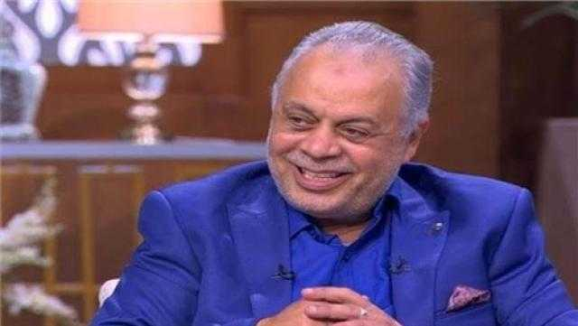 أشرف زكي يقدم بلاغا في مروج شائعة وفاة محمود ياسين