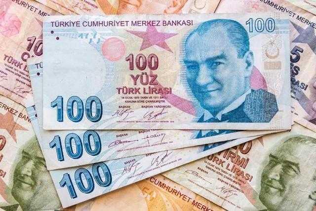 هبوط حاد في الليرة التركية