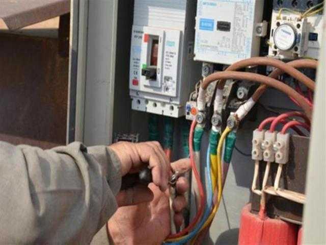 تغليظ العقوبة علي سرقة التيار الكهربي