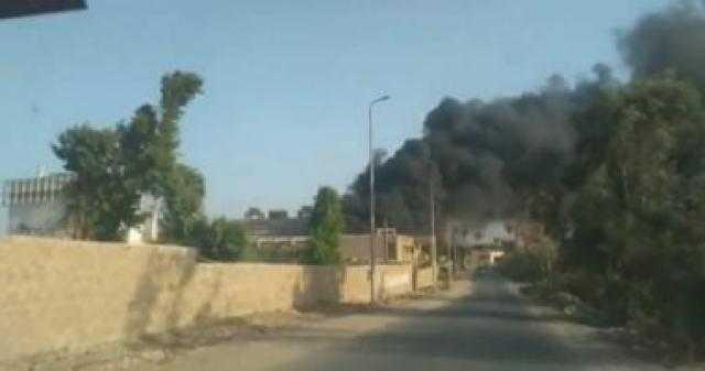 الحماية المدنية تسيطر على حريق مصنع سكر بالخانكة بعد الدفع بـ20 سيارة إطفاء