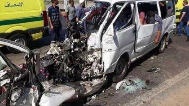 انقلاب ميكروباص بطريق القصير- قفط.. إصابة 7 أشخاص