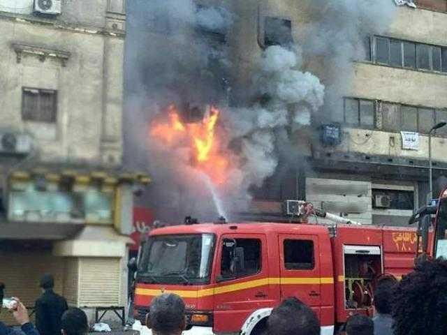 شارع البحري بالإسماعيلية.. السيطرة على حريق هائل بمحل تجاري