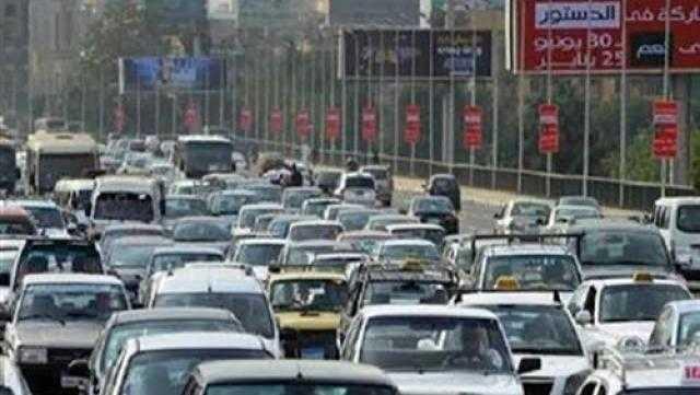 النشرة المرورية .. كثافات متحركة في شوارع القاهرة والجيزة