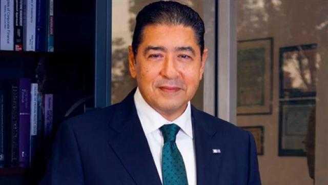 هشام عزالعرب يعلن استقالته من رئاسة التجاري الدولي