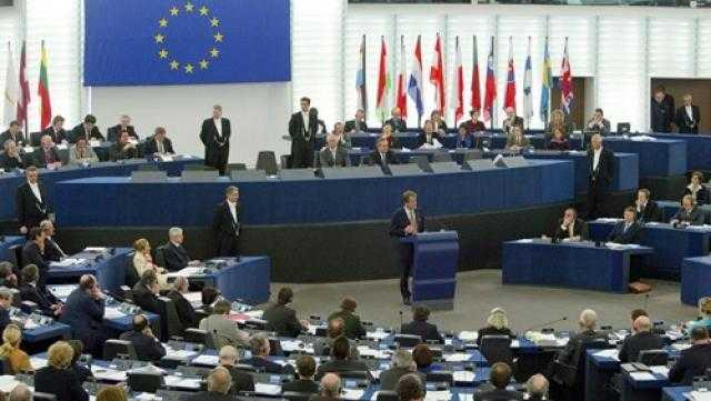 الاتحاد الأوروبي يحذر من وضع خزان صافر قبالة الحديدة باليمن