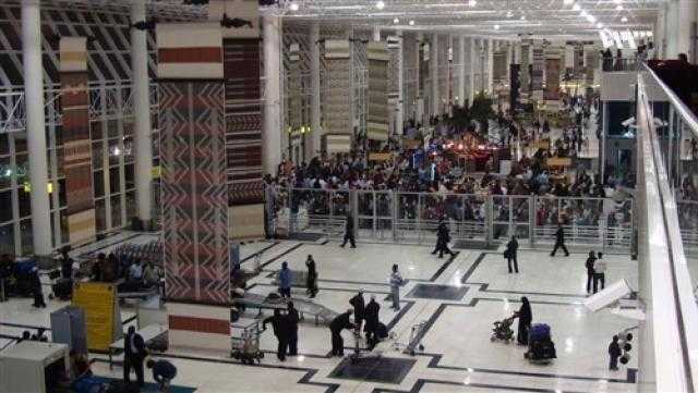 تفاصيل احتجاز مواطنين مصريين في مطار أديس أبابا