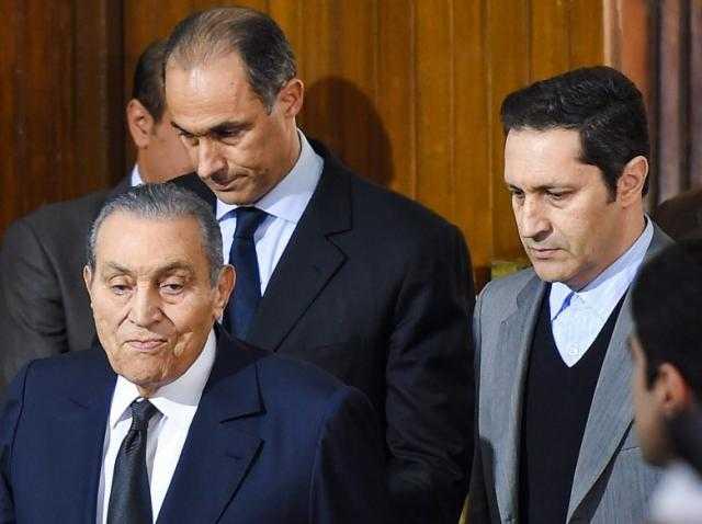 كواليس ما حدث في القصر.. قبل ساعات من تنحي مبارك.. لماذا انفعل علاء أخيه جمال؟.. ولماذا أغمي علي سوزان؟