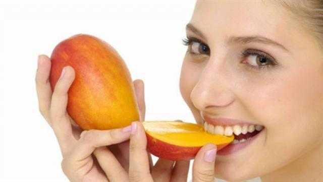 دراسة: تناول المانجو يساعد على تقليل تجاعيد الوجه