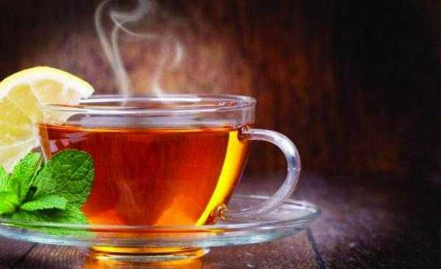لأصحاب المزاج.. دراسة: الشاي افضل من القهوة للجسم