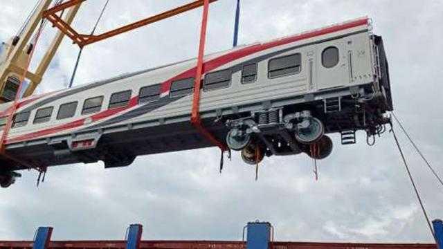 عاجل.. وزير النقل يعلن وصول دفعة جديدة من عربات ركاب السكك الحديدية