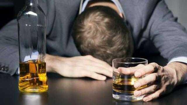 الإفتاء تكشف حكم شرب الخمر بسبب درجات الحرارة المنخفضة