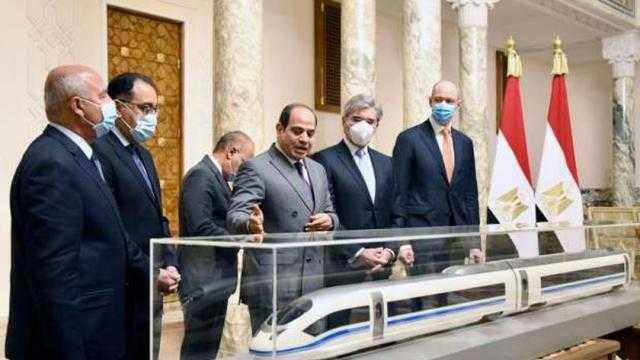 باحث نمساوي يشرح بالخريطة: قطار مصر السريع يربط أوروبا بجنوب أفريفيا