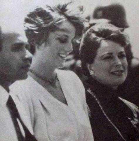 علق القذافي صورها في قصره.. زوجة الرئيس المصري التي رقصت في البيت الأبيض