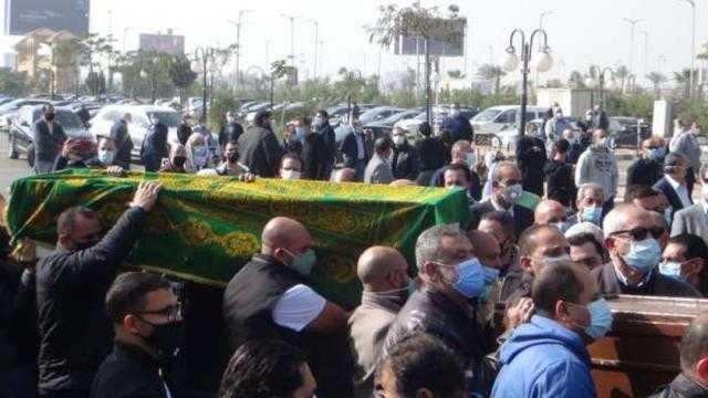 هل يجوز إخفاء وفاة الميت بكورونا للصلاة عليه في المسجد؟
