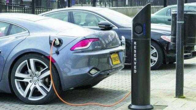 دخولها السباق الكهربائي.. 2021 بداية قوية لشركات السيارات التقليدية