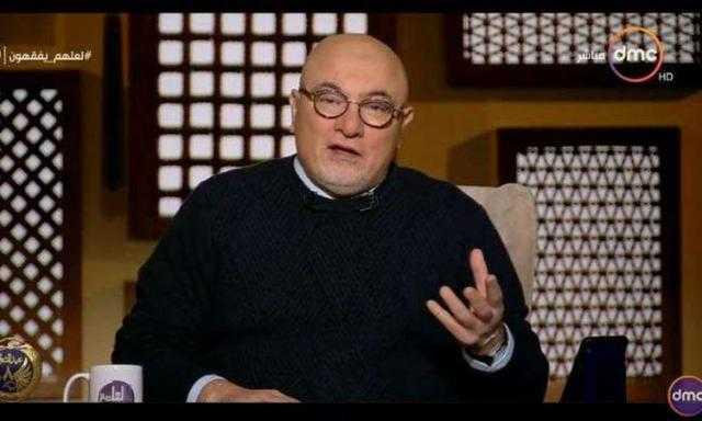 خالد الجندي: الرجل ليس مطالبا بالاستئذان من زوجته حال الزواج بأخرى