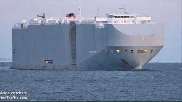 الحادث جزء من اللعبة بين أمريكا وإيران.. مالك السفينة الإسرائيلية يعلق علي انفجارها